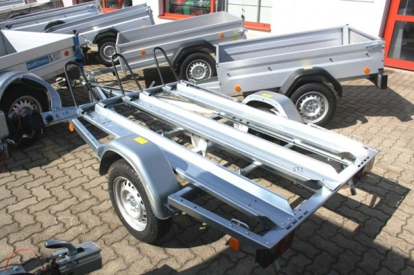Motorradanhänger mieten 750kg Plattformmaß 2050x1150mm