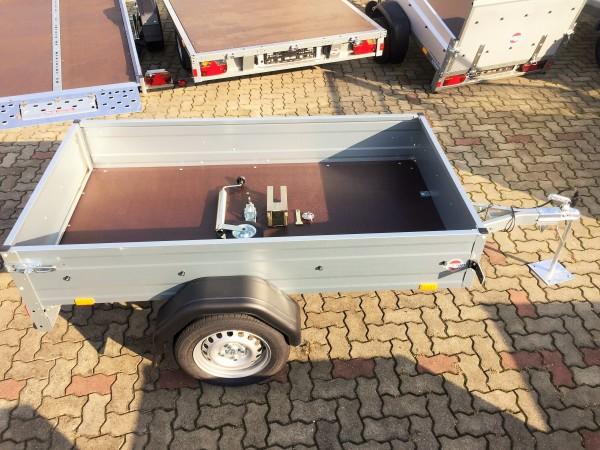 Kastenanhänger STEMA OPTI 750 kg mit Stützrad, Stützen hinten und Diebstahlsicherung